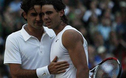 Roger Federer congratulates