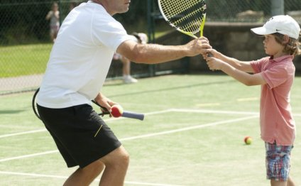 TENNIS4YOU OFFERS A COMPLETE