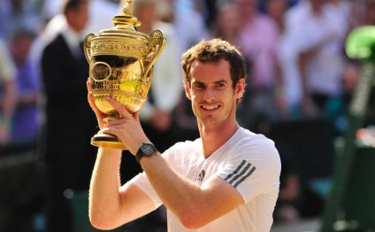 Britain s Andy Murray raises