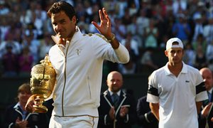 Roger Federer honors after beating Andy Roddick in the guys's singles last at Wimbledon